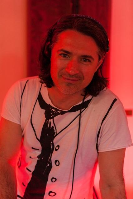 DJ-Hochzeit-DJ-Geburtstag-DJ.de